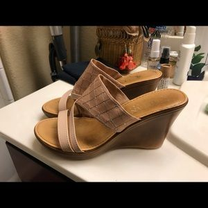 Comfortable dressy wedges